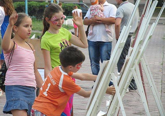 Под Киевом дети собирали деньги в помощь землякам-участникам АТО (ФОТО), фото-6