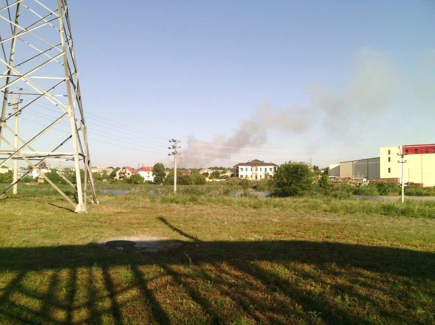 В Симферополе второй день горит свалка: дымом заволокло часть города (ФОТО), фото-3