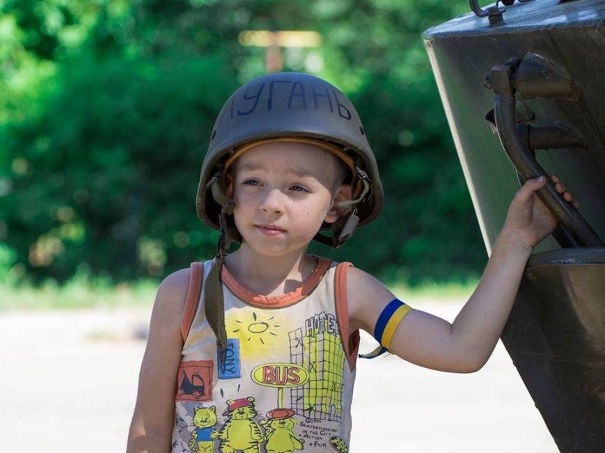 У Лисичанську посивів 5-річний малюк після того, як за ним гнались терористи та стріляли (фоторепортаж, ВІДЕО), фото-2