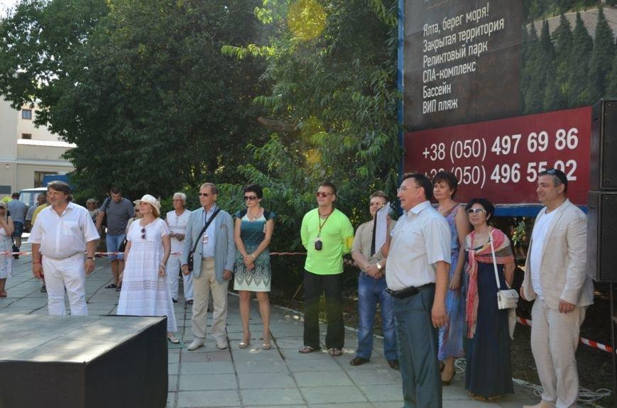 Клара Новикова открыла в Ялте памятник... своей шляпке (ФОТО), фото-3
