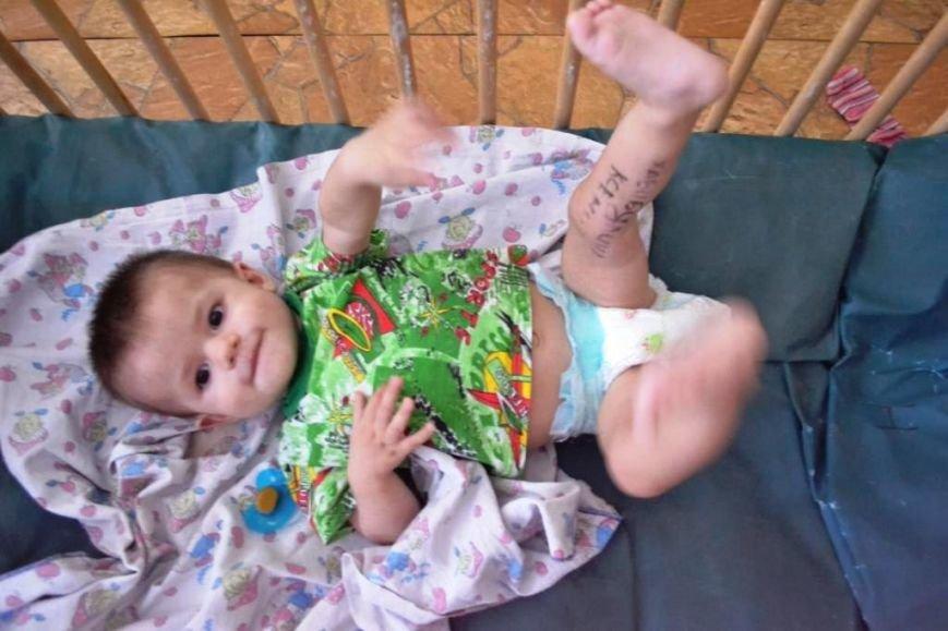 В Мариуполе дети-сироты из Донецка нуждаются в ходунках, колясках и памперсах (ФОТОРЕПОРТАЖ), фото-4