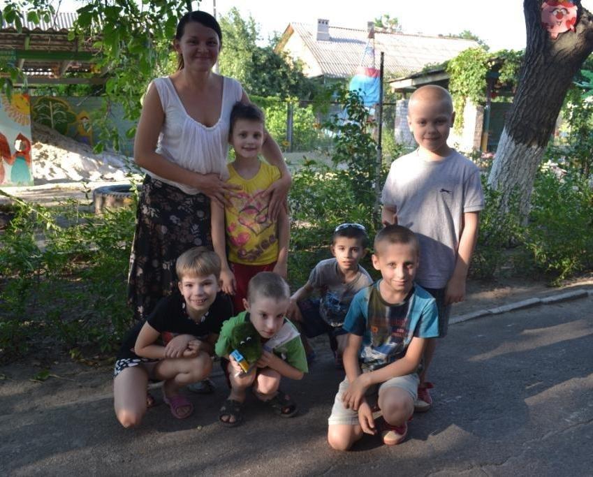 В Мариуполе дети-сироты из Донецка нуждаются в ходунках, колясках и памперсах (ФОТОРЕПОРТАЖ), фото-19