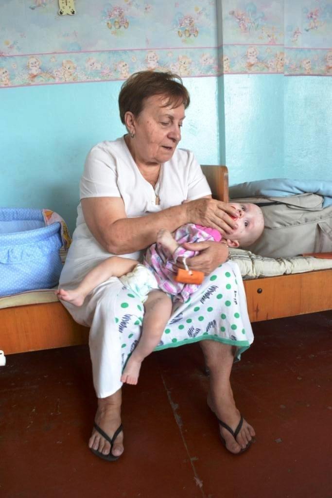 В Мариуполе дети-сироты из Донецка нуждаются в ходунках, колясках и памперсах (ФОТОРЕПОРТАЖ), фото-11