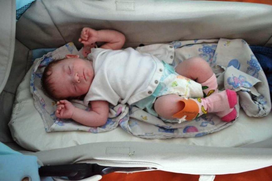 В Мариуполе дети-сироты из Донецка нуждаются в ходунках, колясках и памперсах (ФОТОРЕПОРТАЖ), фото-10