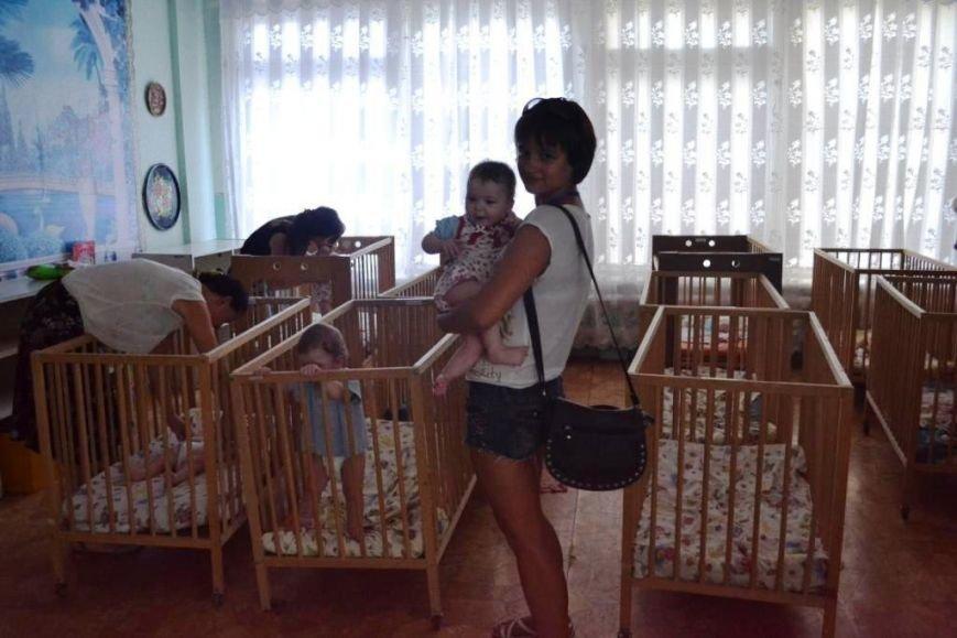 В Мариуполе дети-сироты из Донецка нуждаются в ходунках, колясках и памперсах (ФОТОРЕПОРТАЖ), фото-2