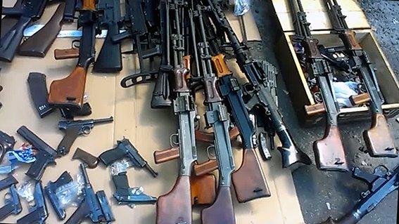 В Киеве промышляла банда торговцев оружием (ФОТО, ВИДЕО), фото-2