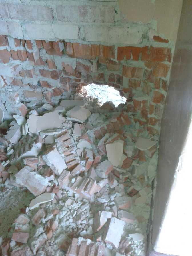 Луганская больница №8 пострадала от обстрела, тяжело ранены трое сотрудников (ФОТО), фото-7