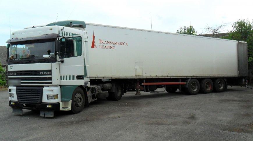 Оперативники Міндоходів Полтавщини у гаражі вилучили 27 тонн «лівого» спирту (Фото), фото-4