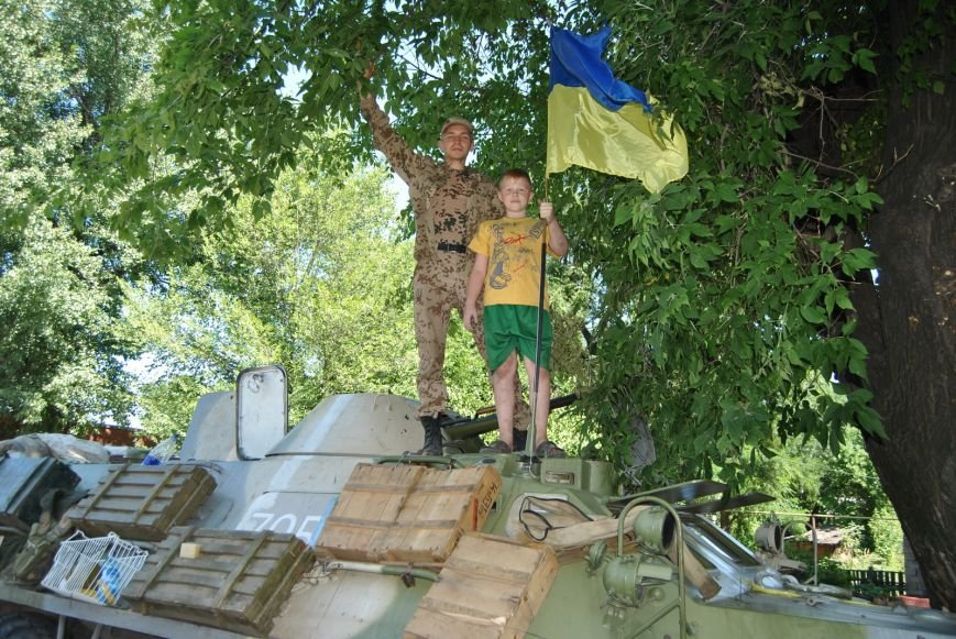 Кілька днів без війни: у визволеному Лисичанську народився «післявоєнний»  малюк (фоторепортаж), фото-8