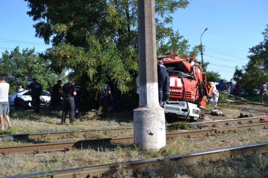 В Мариуполе разбился автомобиль МЧС (ФОТО), фото-9