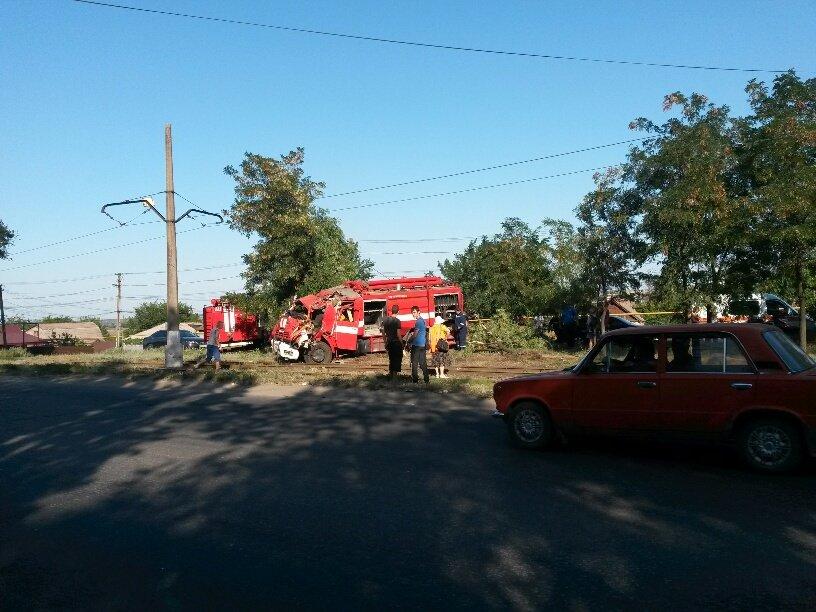 В Мариуполе разбился автомобиль МЧС (ФОТО), фото-3
