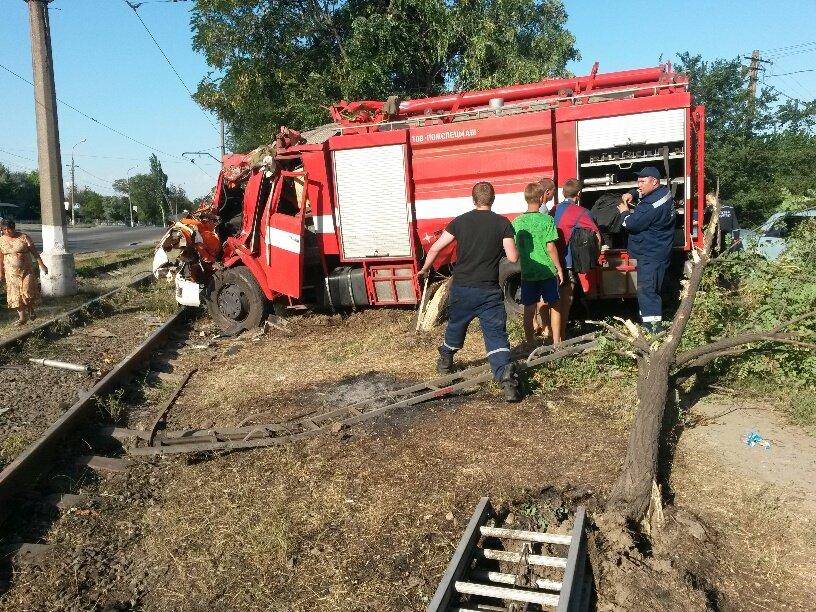 В Мариуполе разбился автомобиль МЧС (ФОТО), фото-8