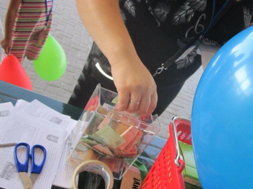 Мариупольцы передали детям-отказничкам из Донецка коляску, 3 тысячи гривен и 4 тележки продуктов (ФОТО), фото-7