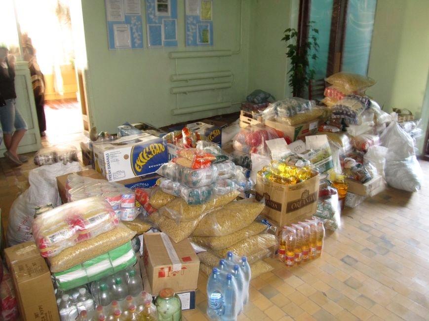 Сватово-Северодонецк-Лисичанск. В зону АТО продолжает прибывать гуманитарная помощь (ФОТО), фото-10