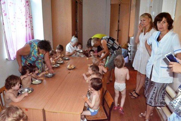 Персонал донецкого дома ребенка «Малютка»  поразился милосердию мариупольцев (ФОТОРЕПОРТАЖ), фото-7