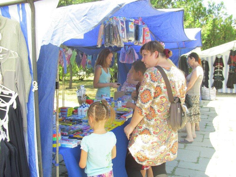 В Симферополе открылся большой школьный базар (ФОТО), фото-10