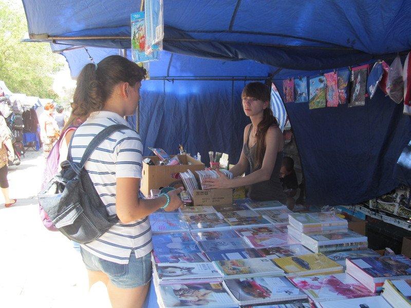 В Симферополе открылся большой школьный базар (ФОТО), фото-6