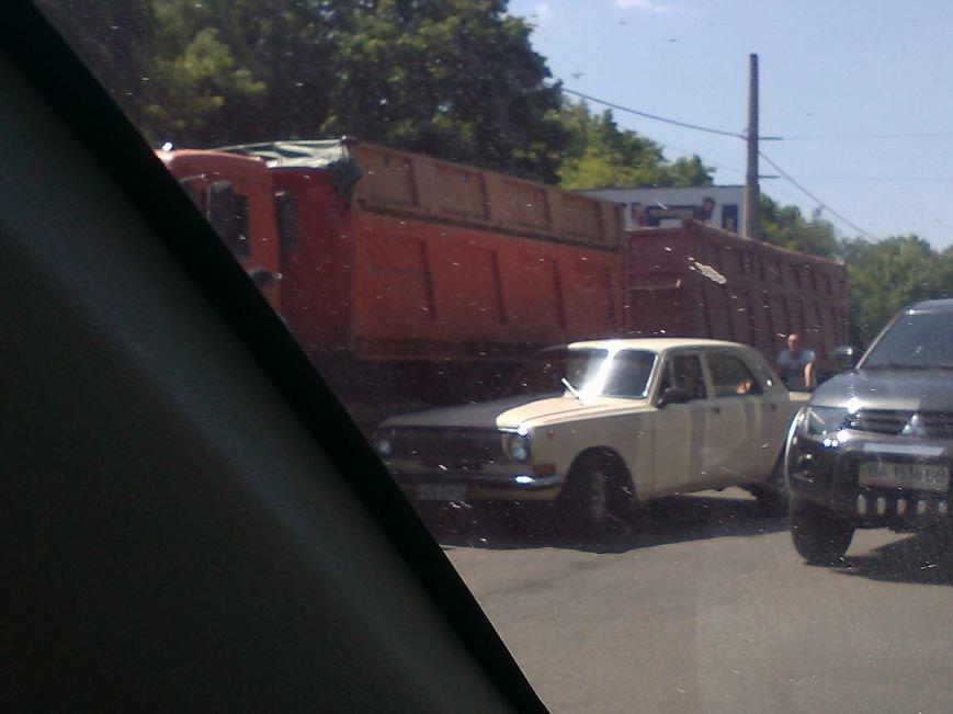 В Кировограде столкнулись грузовик и легковушка, фото-2
