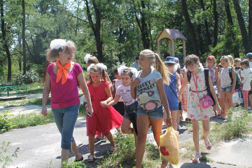 Настроение просто класс! В Часов Яре открыли летний лагерь при Дворце культуры (ФОТО+ВИДЕО), фото-12