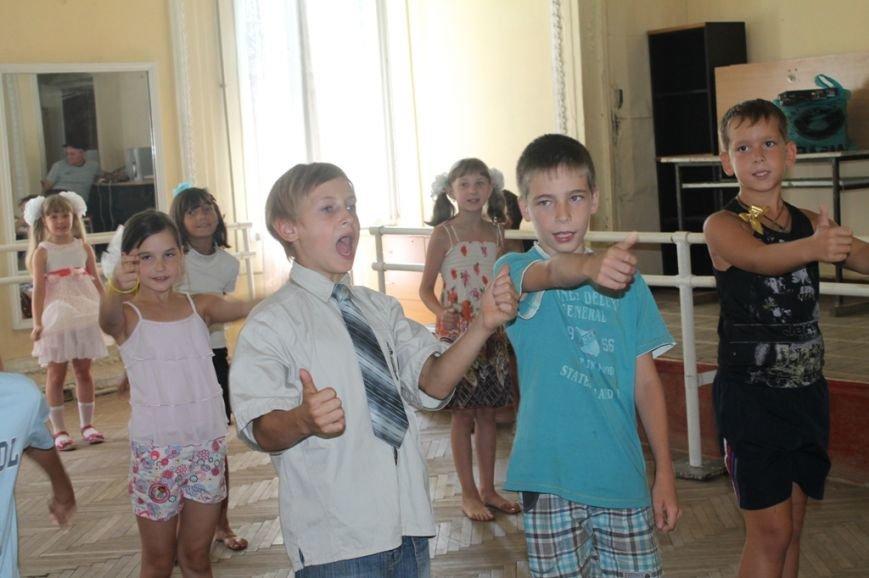 Настроение просто класс! В Часов Яре открыли летний лагерь при Дворце культуры (ФОТО+ВИДЕО), фото-3