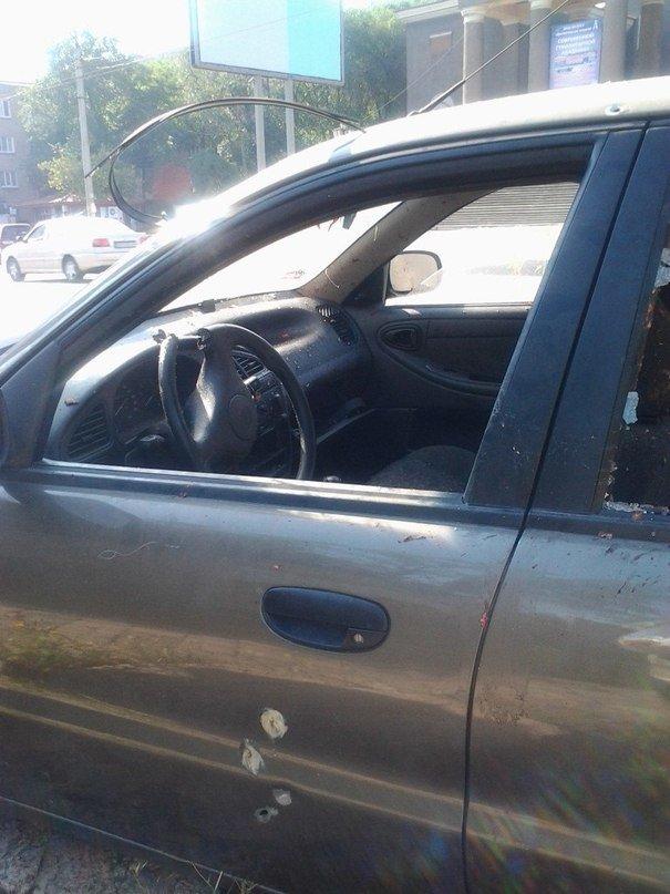В Донецке на Боссе расстреляли машину, сопровождавшую колонну танков? (ФОТО), фото-1