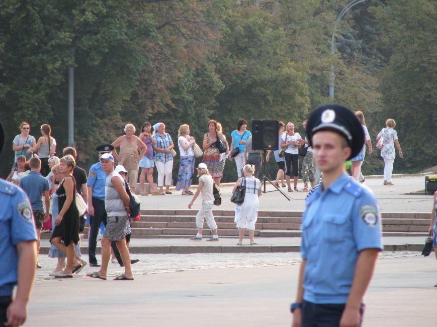 В Харькове прошел объединенный митинг за Украину и небольшое собрание проросийских активистов, фото-2