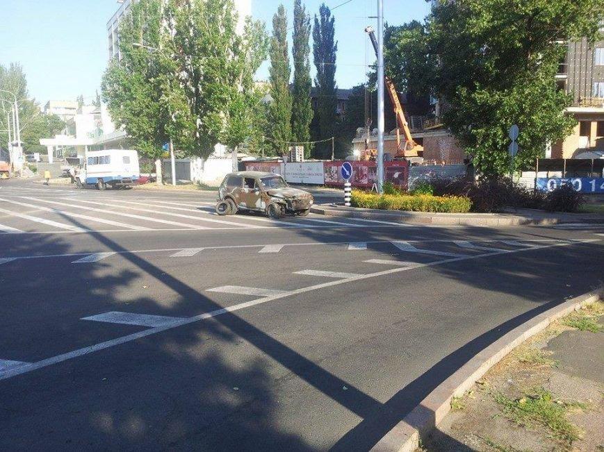В центре Донецка боевики «ДНР» попали в ДТП (ФОТО), фото-1