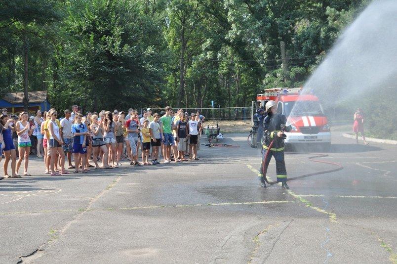 У таборі «Сонячний» рятувальники подбали про безпеку школярів під час літнього відпочинку (фото), фото-1