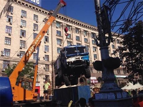 На Майдане начались столкновения милиции и протестующих, горят шины (ФОТО, ОБНОВЛЕНО), фото-6