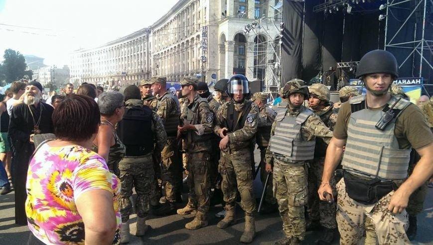 На Майдане начались столкновения милиции и протестующих, горят шины (ФОТО, ОБНОВЛЕНО), фото-2
