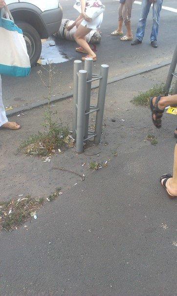 В Мариуполе маршрутка в районе остановки сбила мужчину (ФОТОФАКТ), фото-3