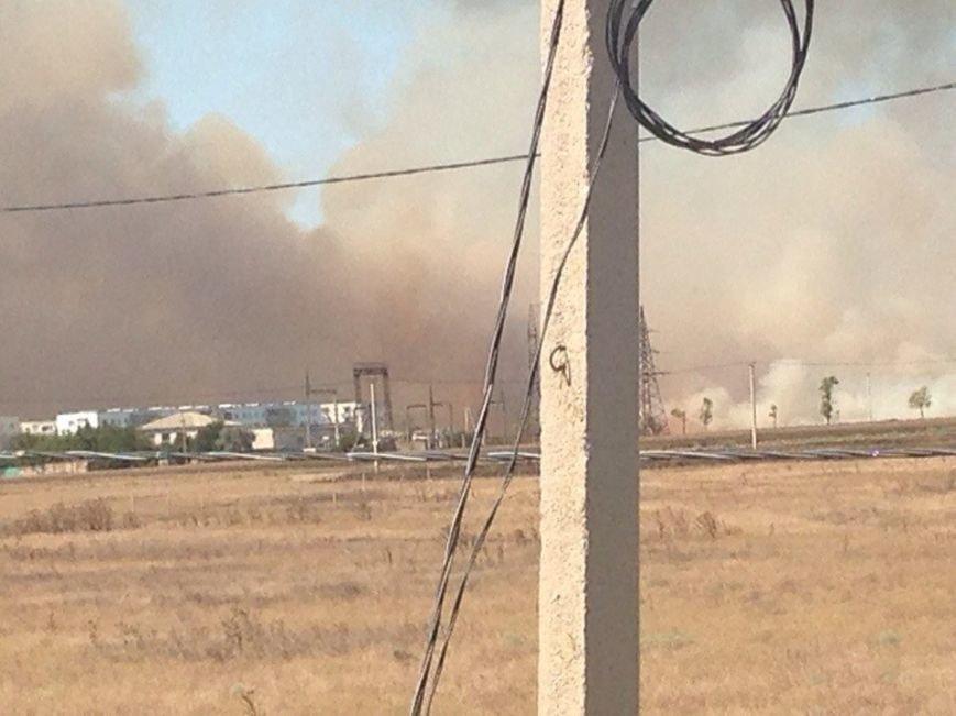 Пожар под Симферополем: полыхает сухая трава (ФОТО, обновлено), фото-3