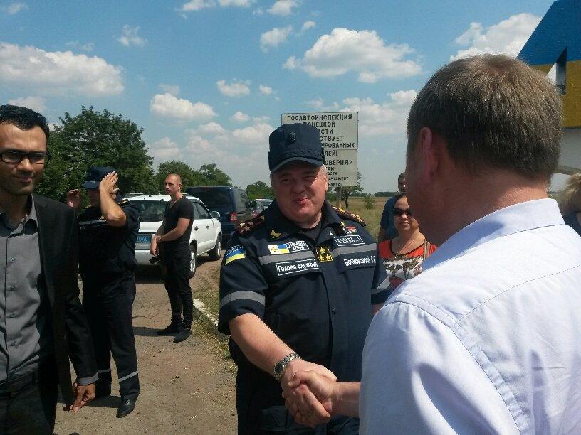 На границе Донецкой и Запорожской областей мариупольцы встретили гуманитарную помощь (Дополнено+ФОТО), фото-2