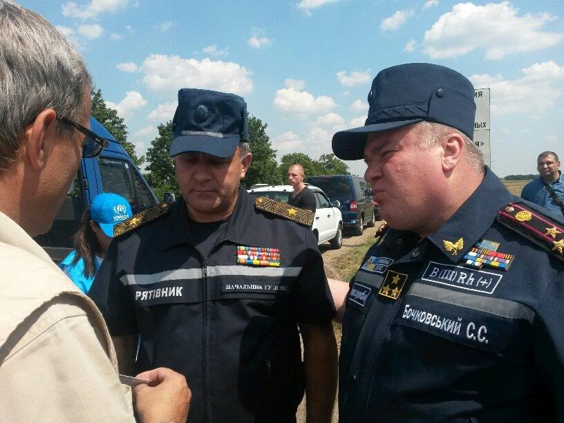 На границе Донецкой и Запорожской областей мариупольцы встретили гуманитарную помощь (Дополнено+ФОТО), фото-3