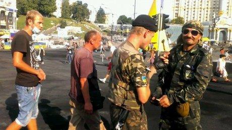 На Крещатике со стороны Европейской площади уже разобраны баррикады (ФОТО), фото-3
