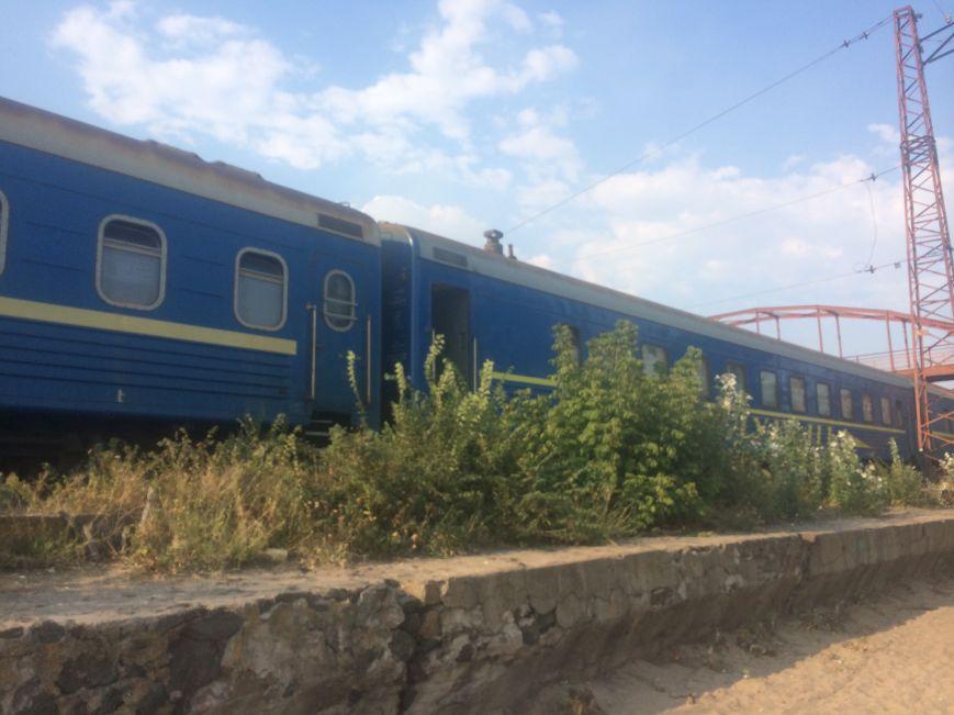 В Мариуполе проводники фирменного поезда «Лугань» живут прямо в поезде (Фотофакт), фото-2