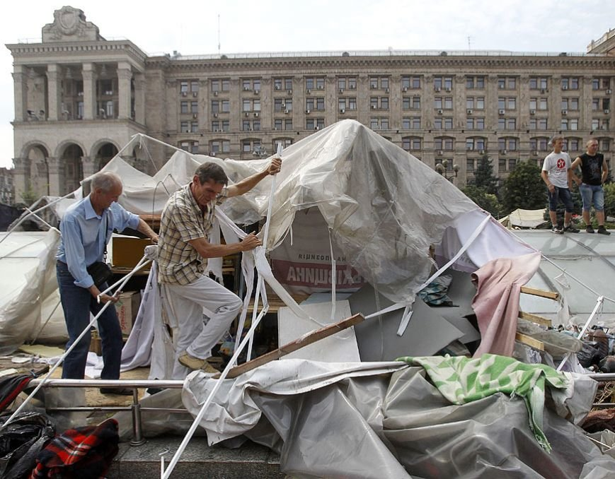 Субботник на Крещатике: тысячи киевлян, Кличко и нардепы (ФОТО), фото-3