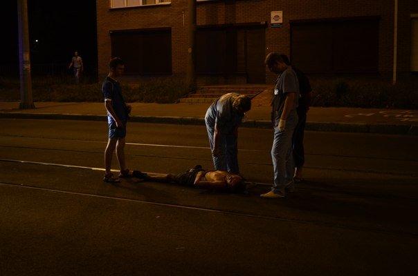 Голый харьковчанин уснул на трамвайных путях, фото-2