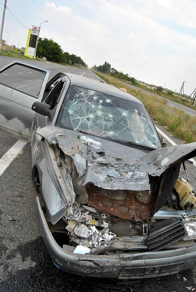 На блокпосту между Горловкой и Ясиноватой силы АТО уничтожили автомобиль с боевиками (ФОТО), фото-3