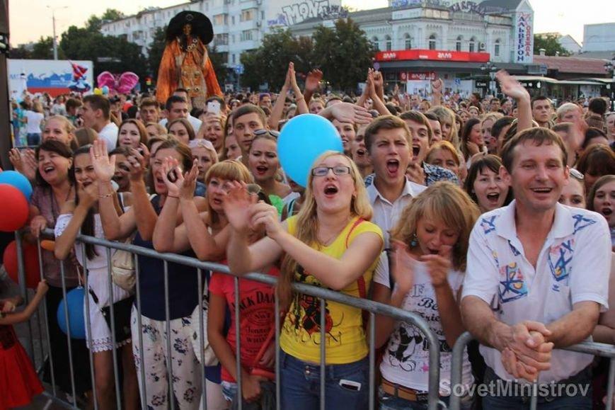 В Симферополе торжественно вручили последнюю партию учебников для крымских школ (ФОТО, ВИДЕО), фото-6