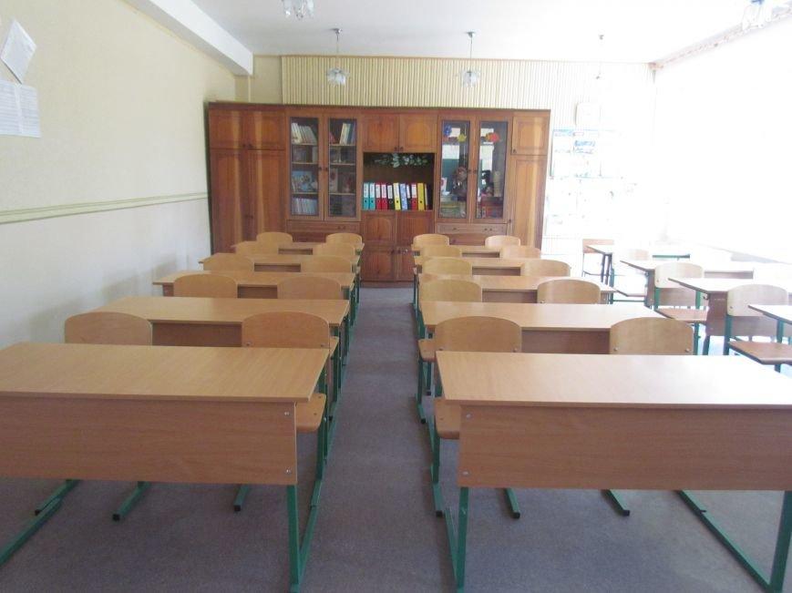 В Мариуполе готовят школы к новому учебному году, фото-6