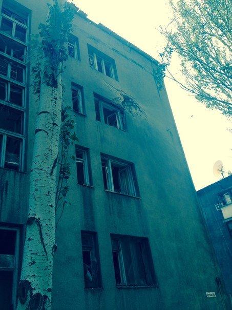 В Донецке снаряды попали в торгово-офисные центры «Грин плаза» и «Планета» (ФОТО, ВИДЕО, ОБНОВЛЕНО), фото-1