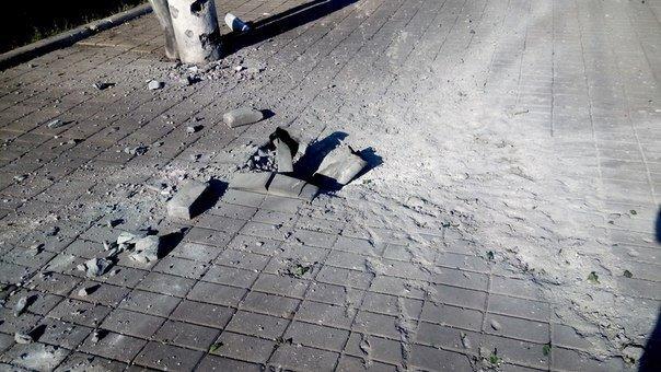 Железнодорожный вокзал в Макеевке закрыт - снарядом разрушены пути, фото-1