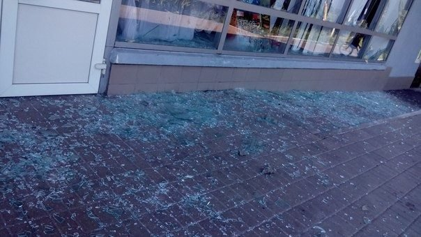 Железнодорожный вокзал в Макеевке закрыт - снарядом разрушены пути, фото-3
