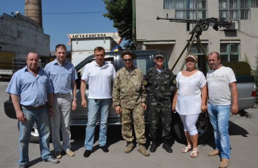 Бизнесмены Кировограда подарили военным пикап (фото), фото-4