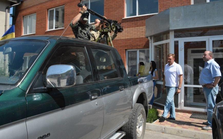 Бизнесмены Кировограда подарили военным пикап (фото), фото-2