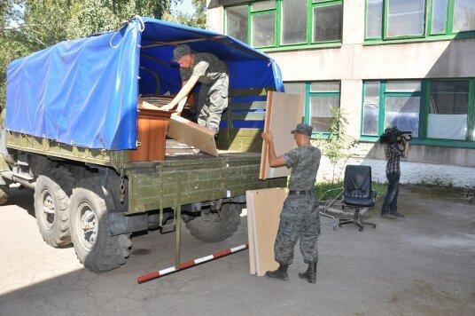 В Мариуполе военнослужащие Национальной гвардии Украины помогли благоустроить городской Центр внешкольной работы (ФОТО), фото-5