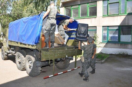 В Мариуполе военнослужащие Национальной гвардии Украины помогли благоустроить городской Центр внешкольной работы (ФОТО), фото-3