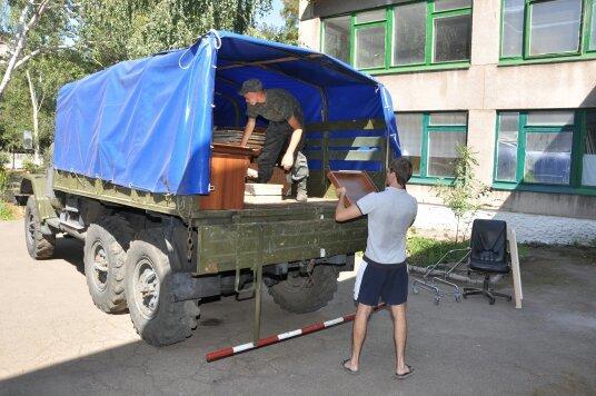 В Мариуполе военнослужащие Национальной гвардии Украины помогли благоустроить городской Центр внешкольной работы (ФОТО), фото-6