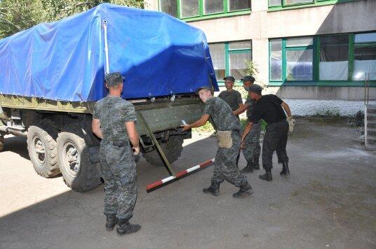 В Мариуполе военнослужащие Национальной гвардии Украины помогли благоустроить городской Центр внешкольной работы (ФОТО), фото-2